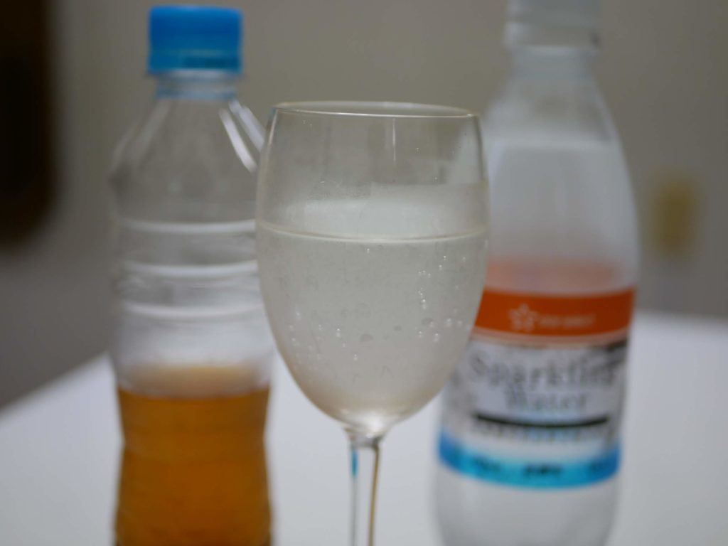 梅酢ダイエットで強炭酸水割り