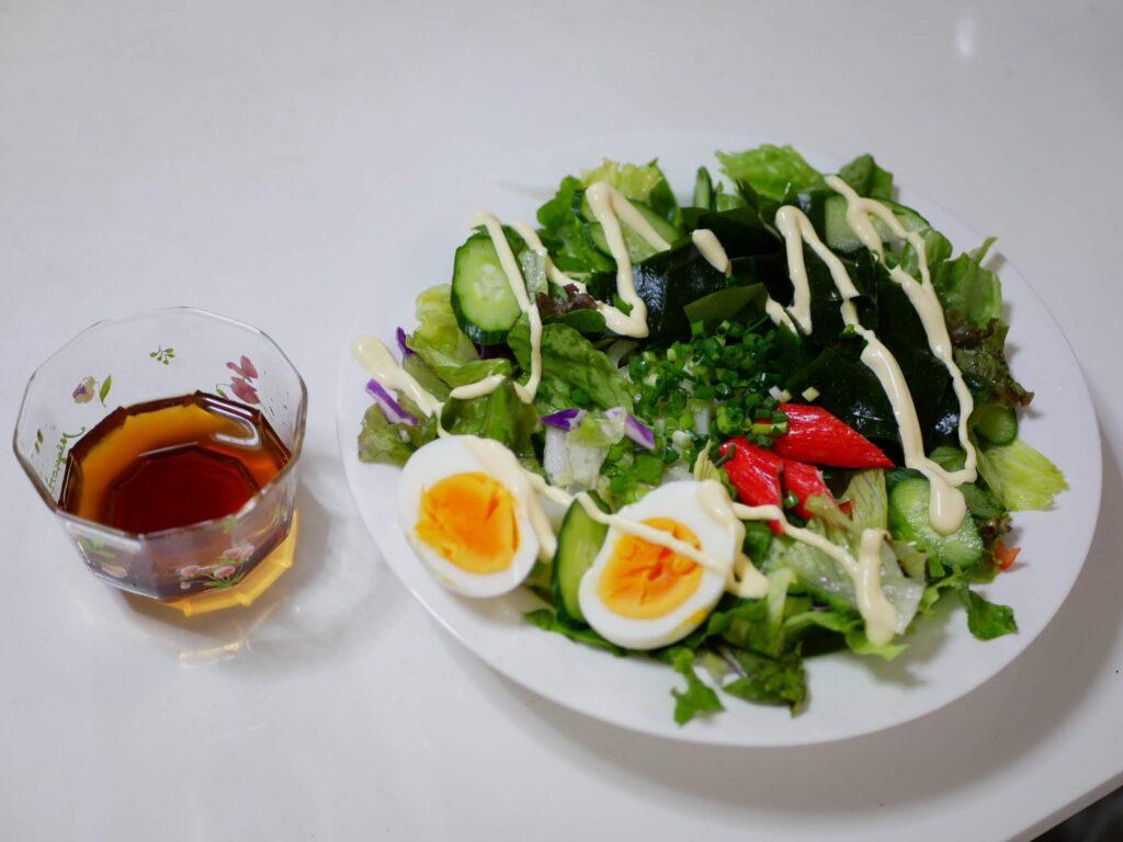 海藻とサラダのネバネバプレート
