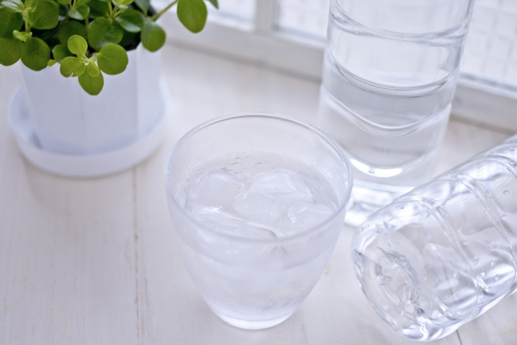 冷水を使って簡単に炭酸水を作る