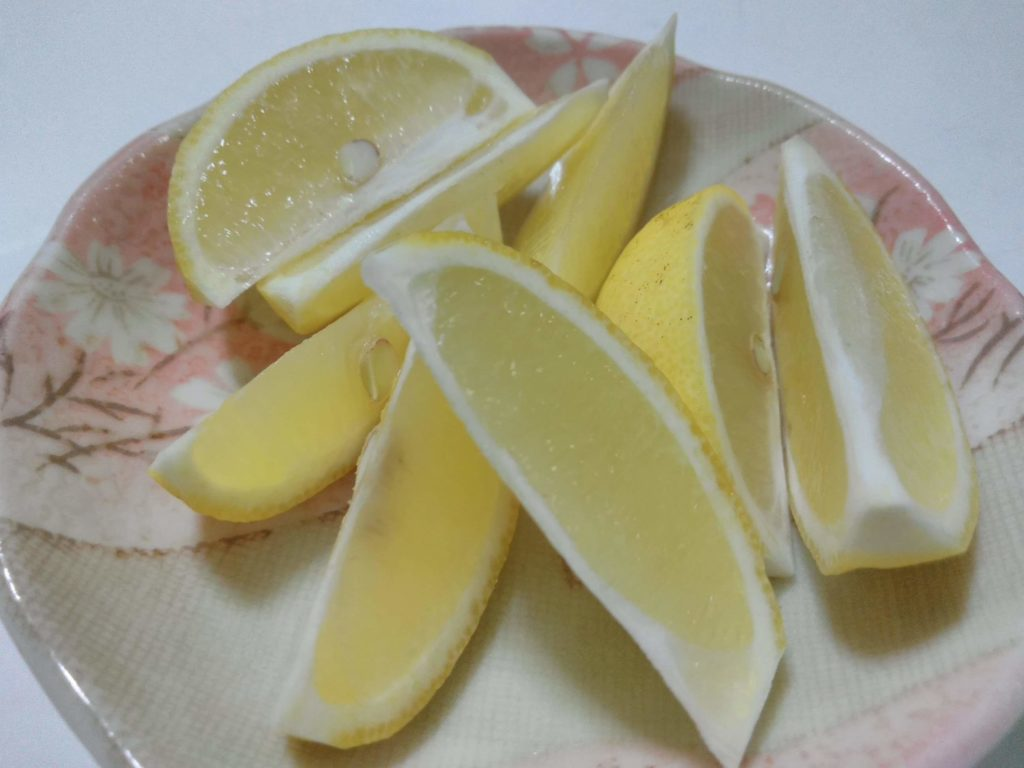 スライスしたレモン