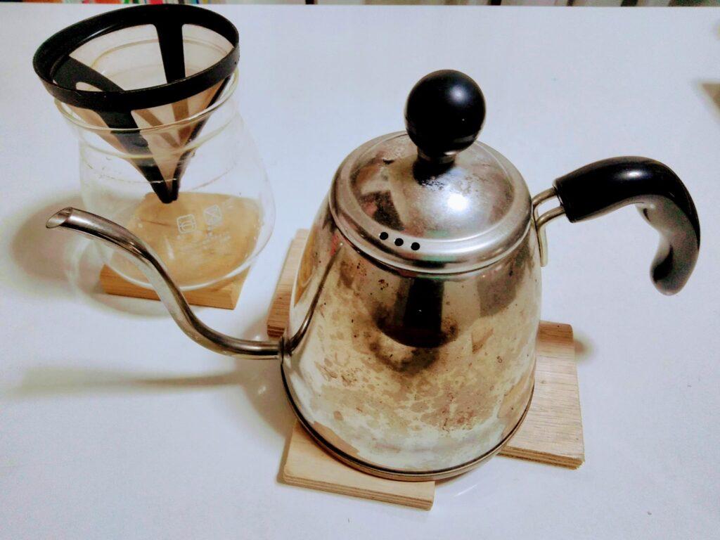 日本製のコーヒードリップポットは使いやすい