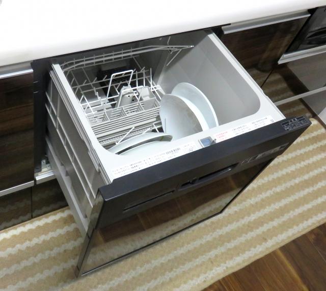 「ビルトイン型」食洗機