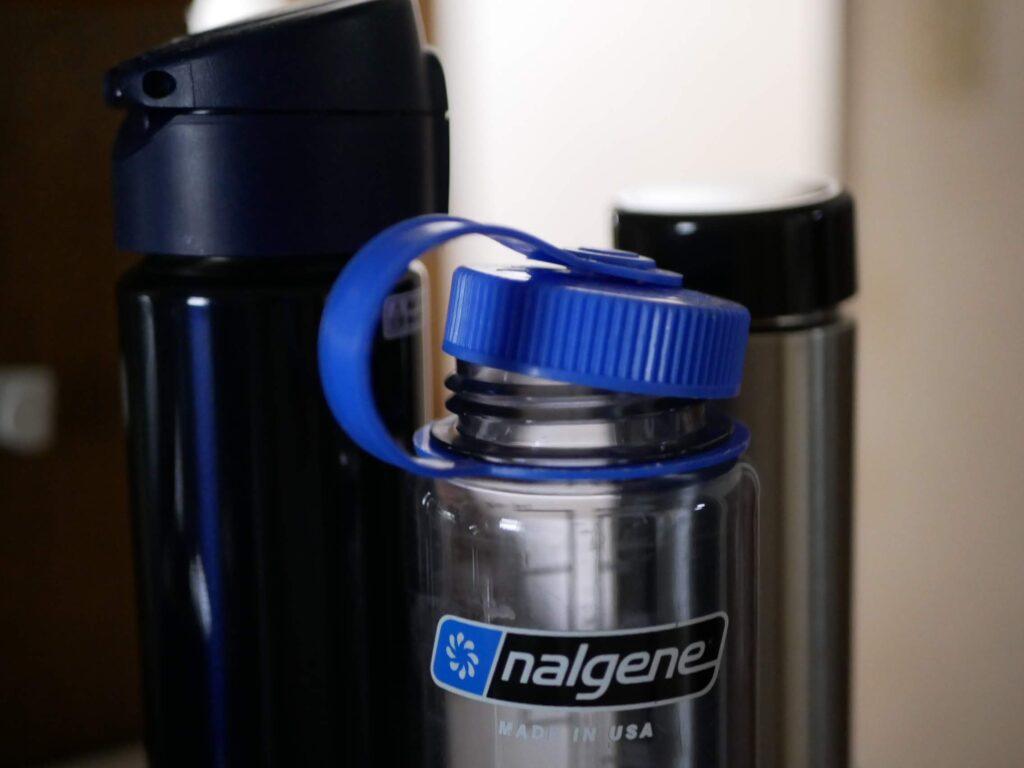 ナルゲンのボトルや水筒を利用しています。