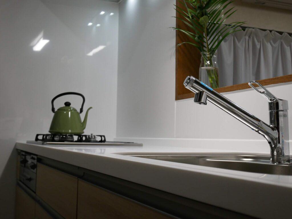 キッチンの水道水をろ過するフィルター