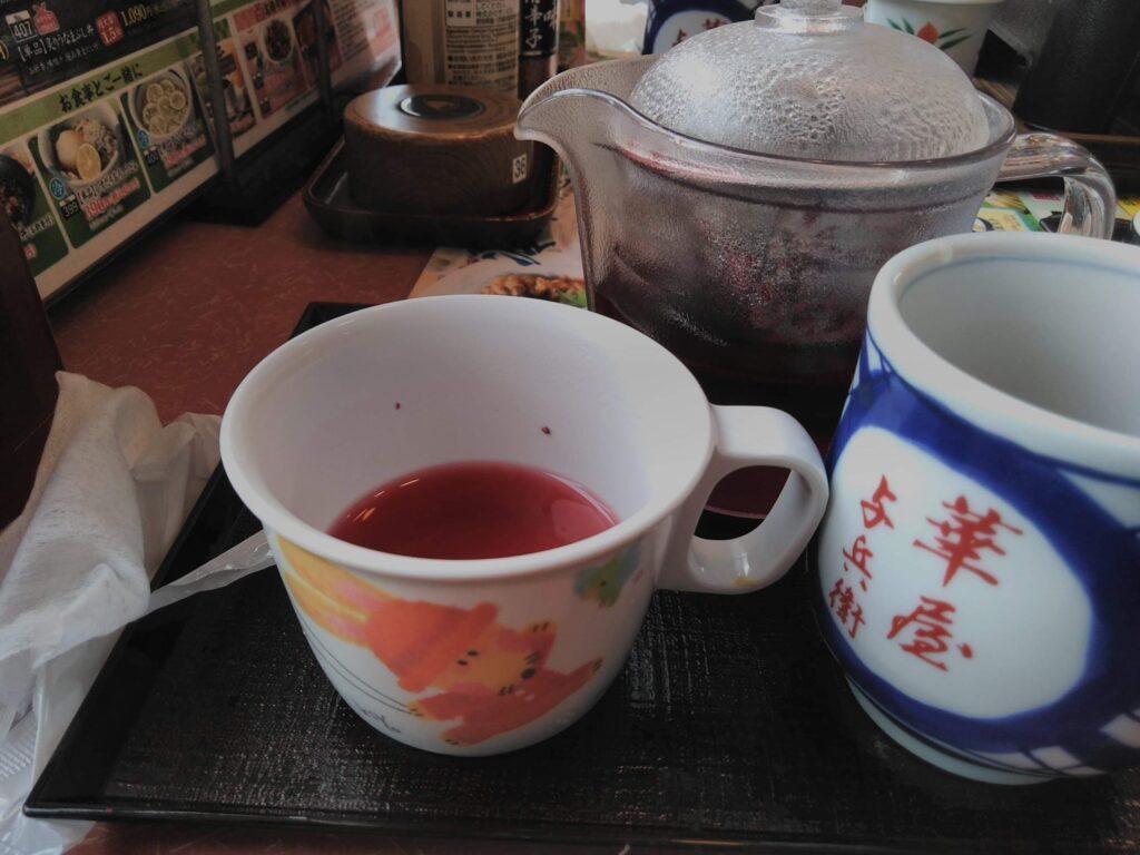 ドリンクバーのカップ、お子様用でした!!